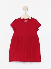 Šaty skrátkým rukávem Červená