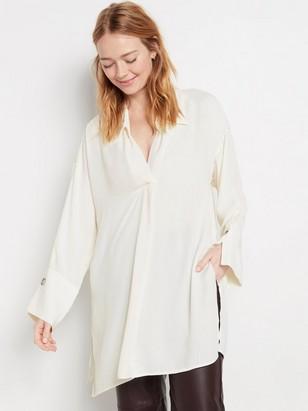 Košile svýstřihem doV Bílá