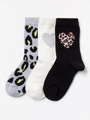 3 paria sukkia, joissa sydän- ja leopardikuvio Musta