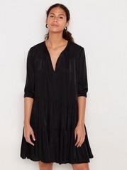Svart klänning med volang Svart