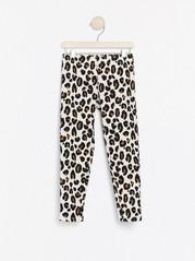 Leopardmønstret leggings med børstet innside Beige