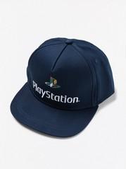 Suoralippainen lippis, jossa Playstation-kuvio Sininen