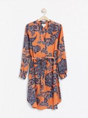 Šaty skašmírovým potiskem Oranžová