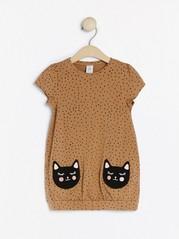 Helmönstrad tunika med kattfickor Brun