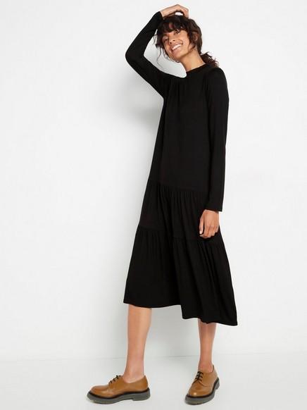 Svart kjole med A-fasong Svart