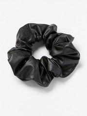 Scrunchie i läderimitation Svart