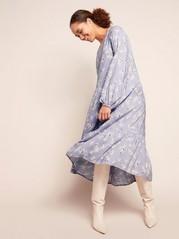 Mønstret kjole med volang Lilla