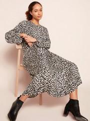 Mønstret kjole med volang Beige