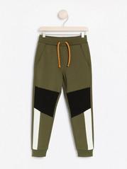 Gröna sweatpants med färgblock Grön