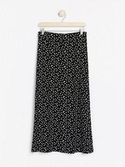 Prickig svart kjol Svart