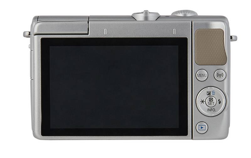 EOS M100