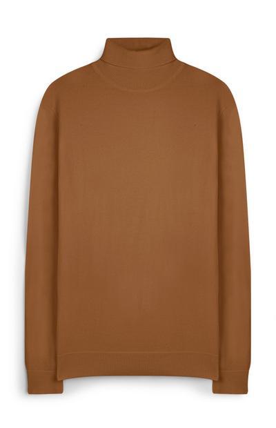 Kamelhaarfarbener Pullover mit Rollkragen