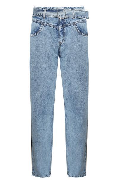 Mom-Jeans mit Gürtel