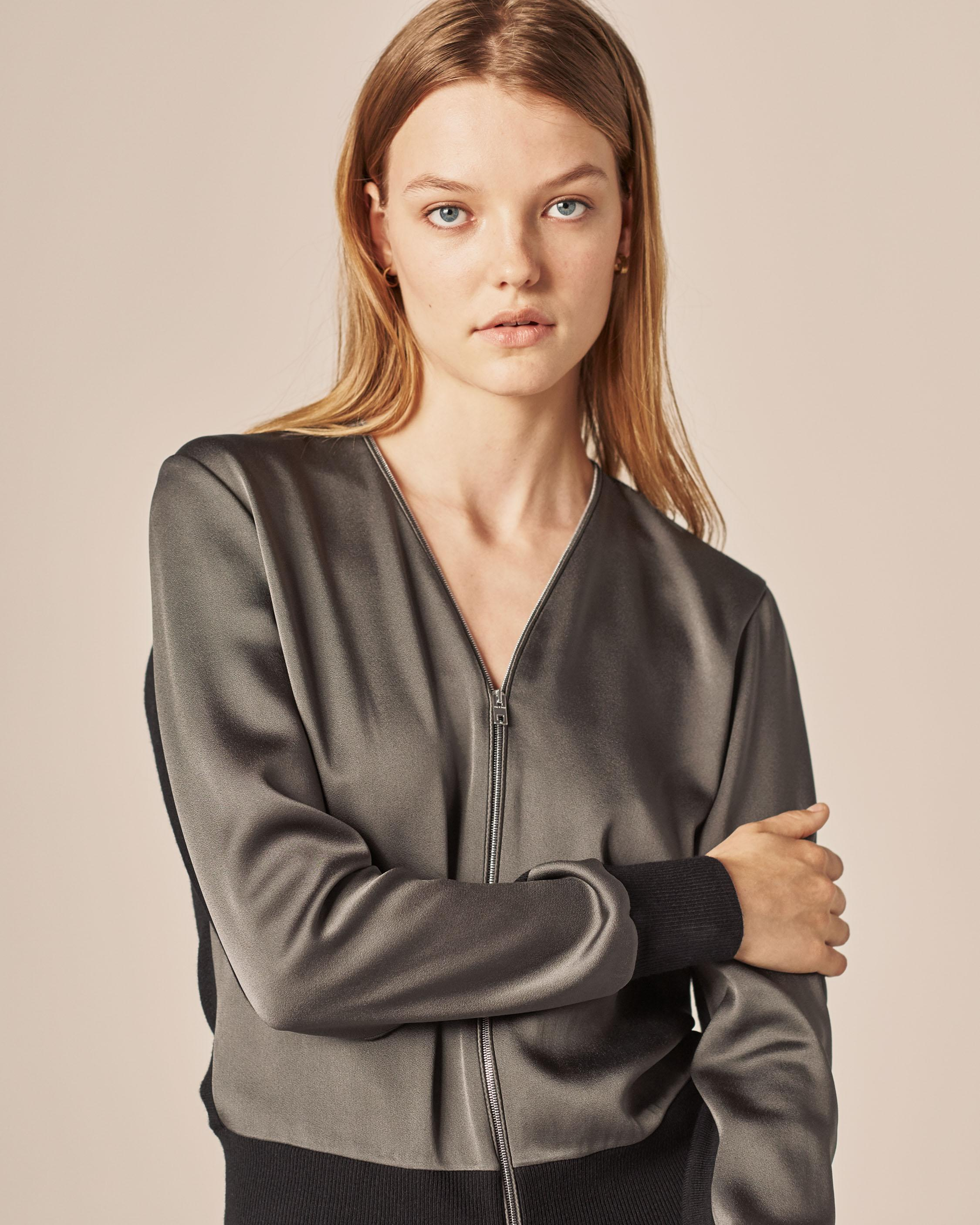 VIVIENNE ZIP-UP TOP