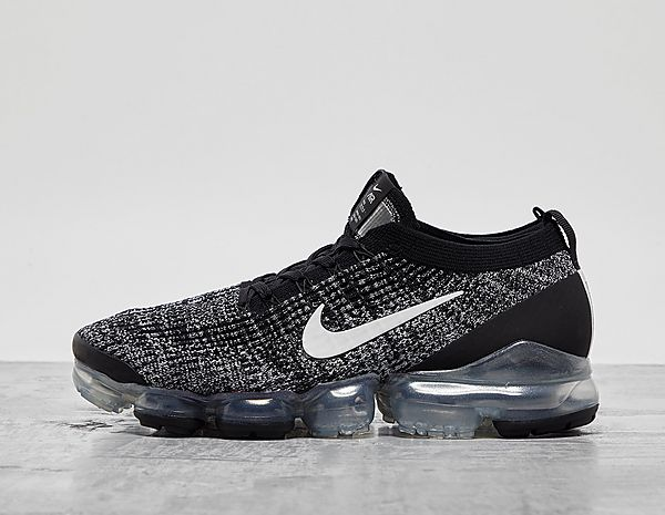 premium selection 5d503 42aab Nike Air VaporMax Flyknit 3