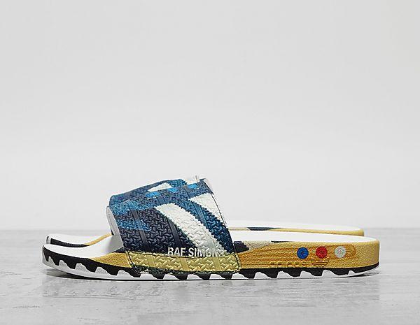 classic fit bba3b faa70 Footpatrol - Latest Premium Footwear, Clothing   Accessories