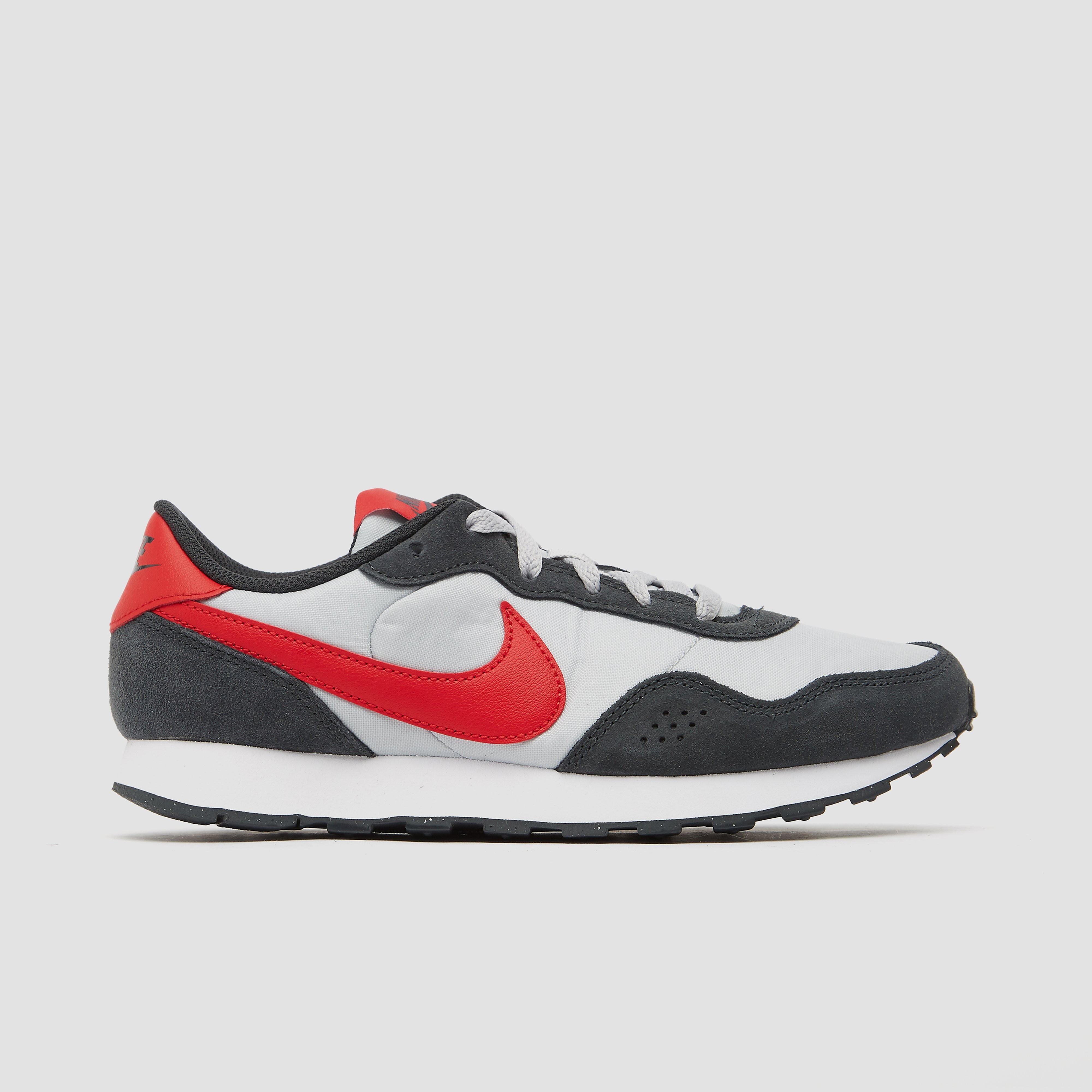 Nike MD Valiant (GS) sneakers grijs/rood/antraciet online kopen
