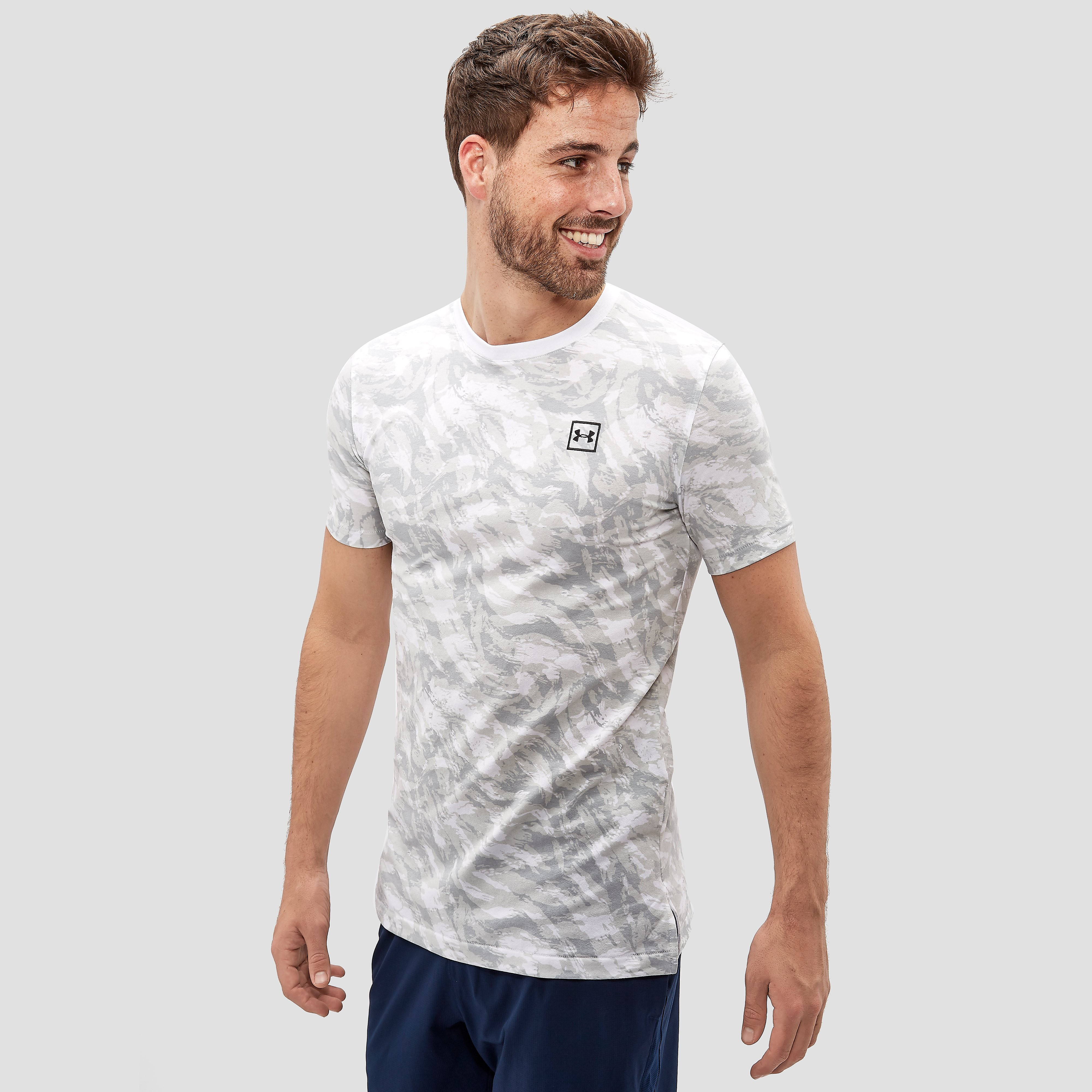 UNDER ARMOUR SPORTSTYLE SPORTSHIRT ALLOVER-PRINT WIT HEREN