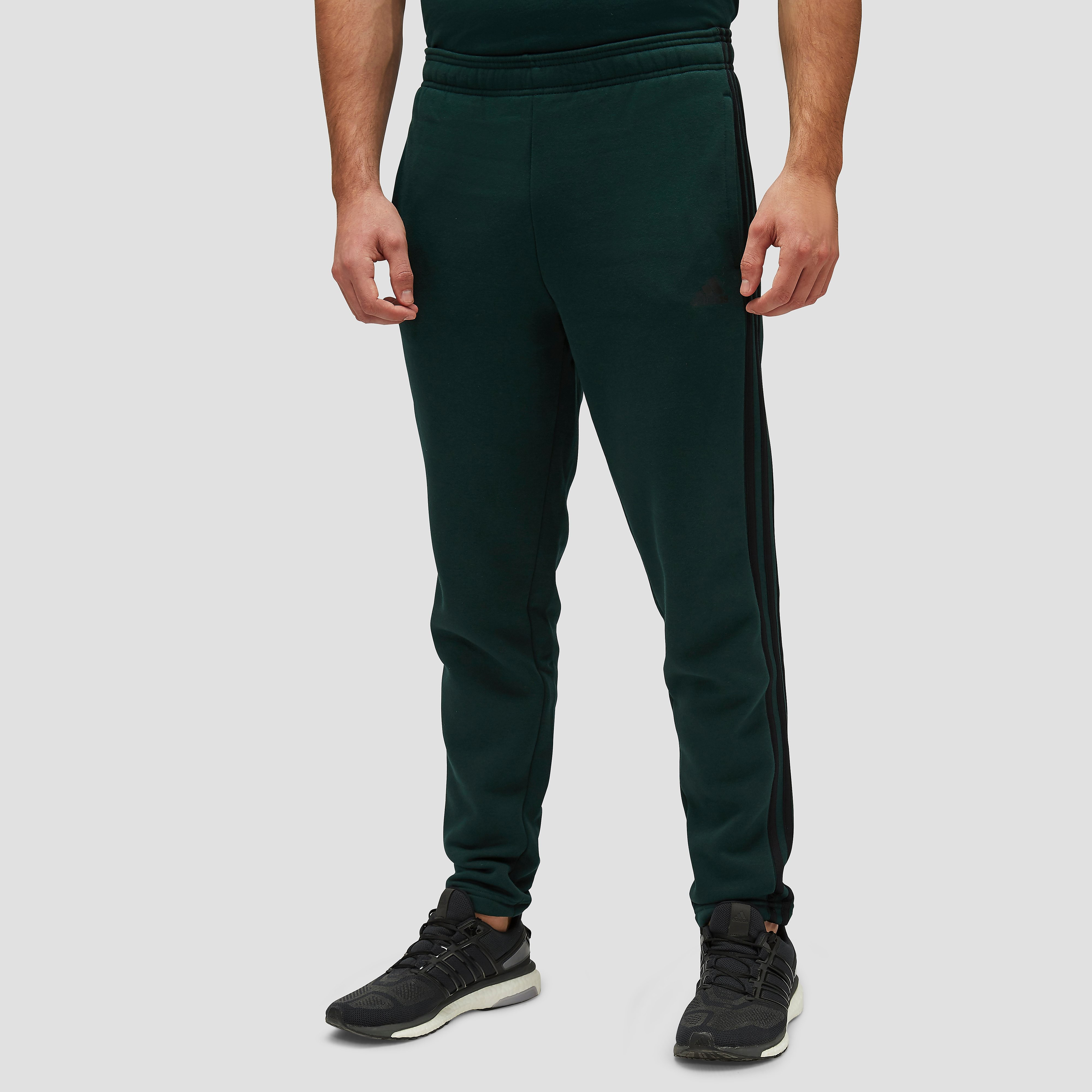 ADIDAS ESSENTIALS 3-STRIPES FLEECE JOGGINGBROEK GROEN HEREN