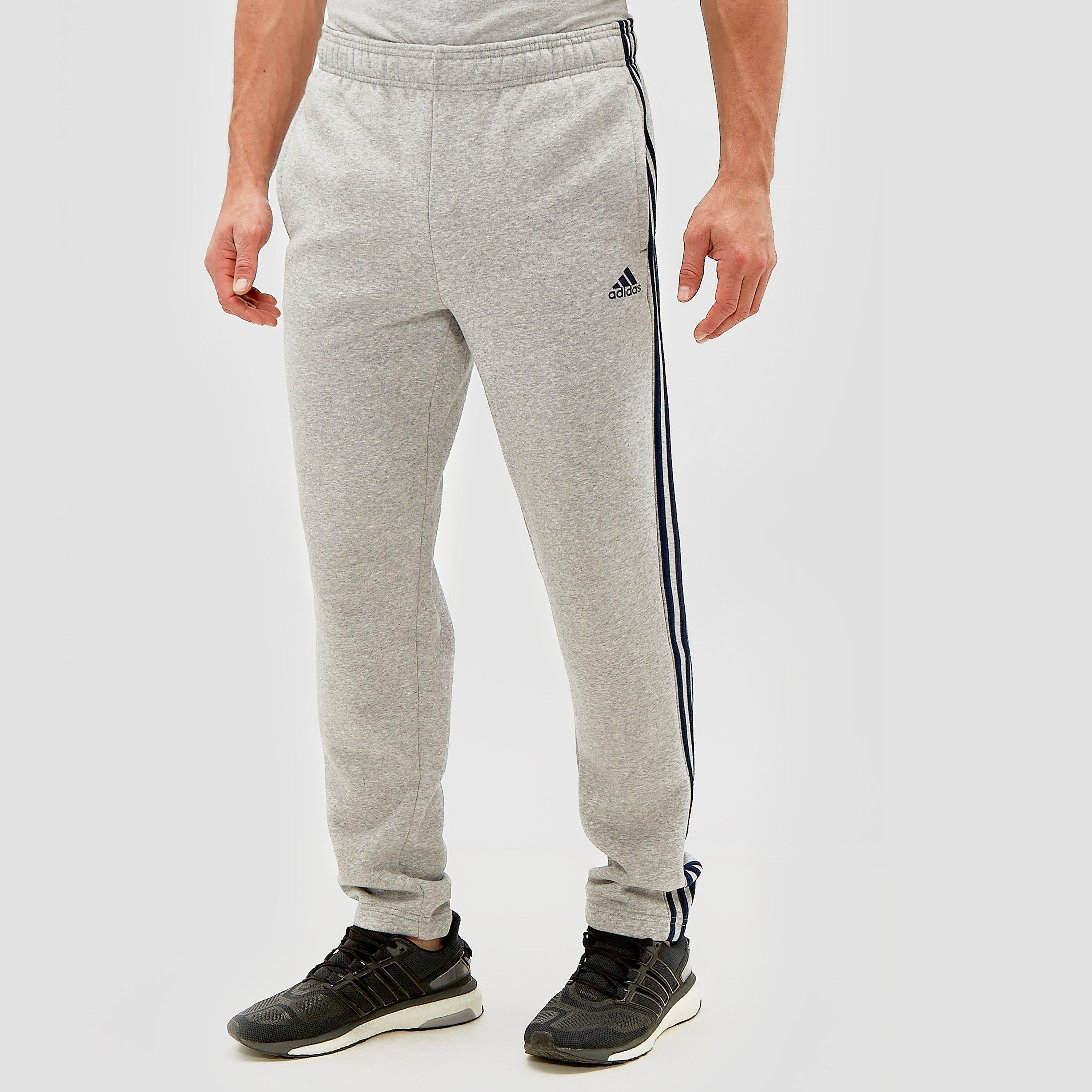 ADIDAS ESSENTIALS 3-STRIPES FLEECE BROEK GRIJS HEREN