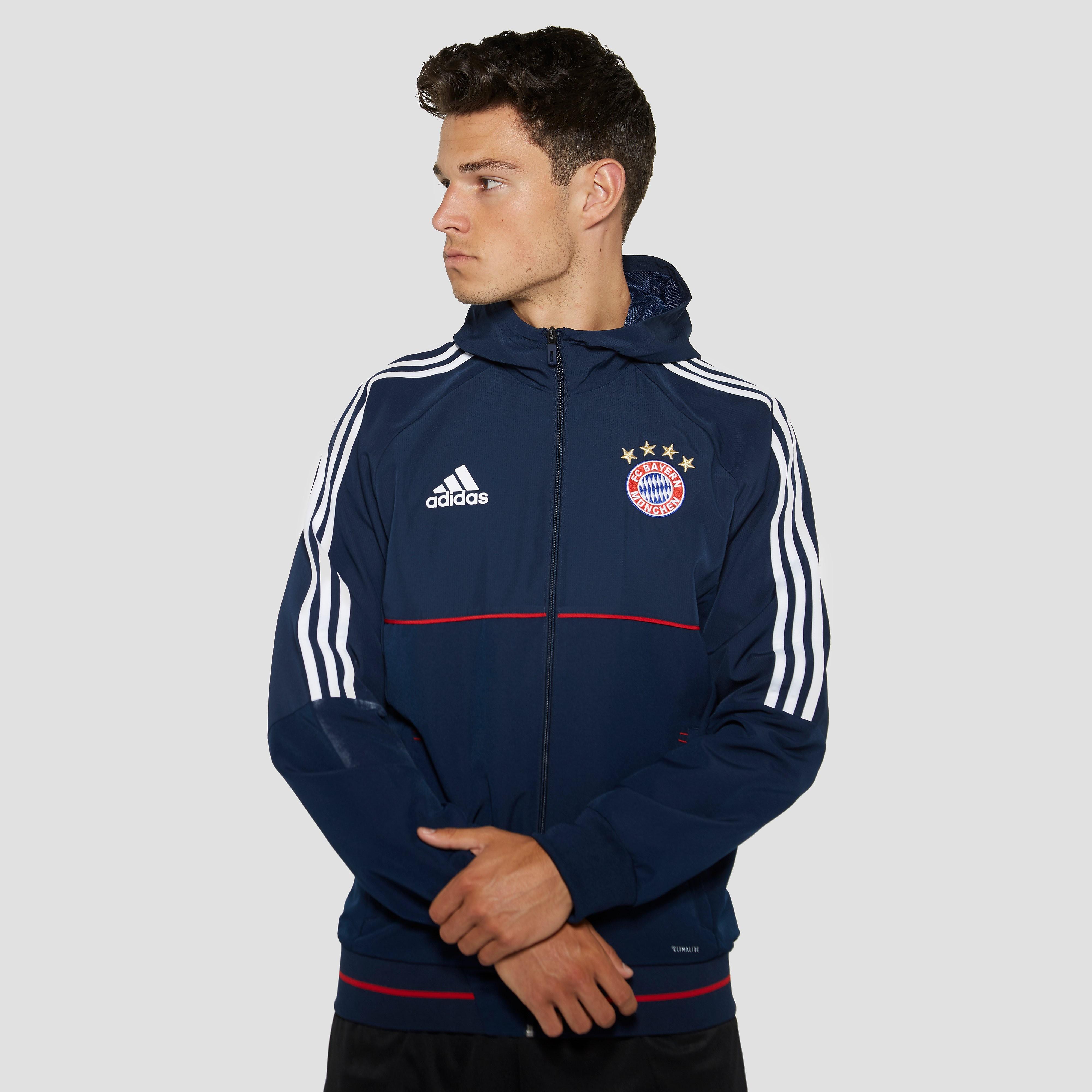 ADIDAS FC BAYERN MÜNCHEN PRESENTATIEJAS 17/18 BLAUW/ROOD HEREN