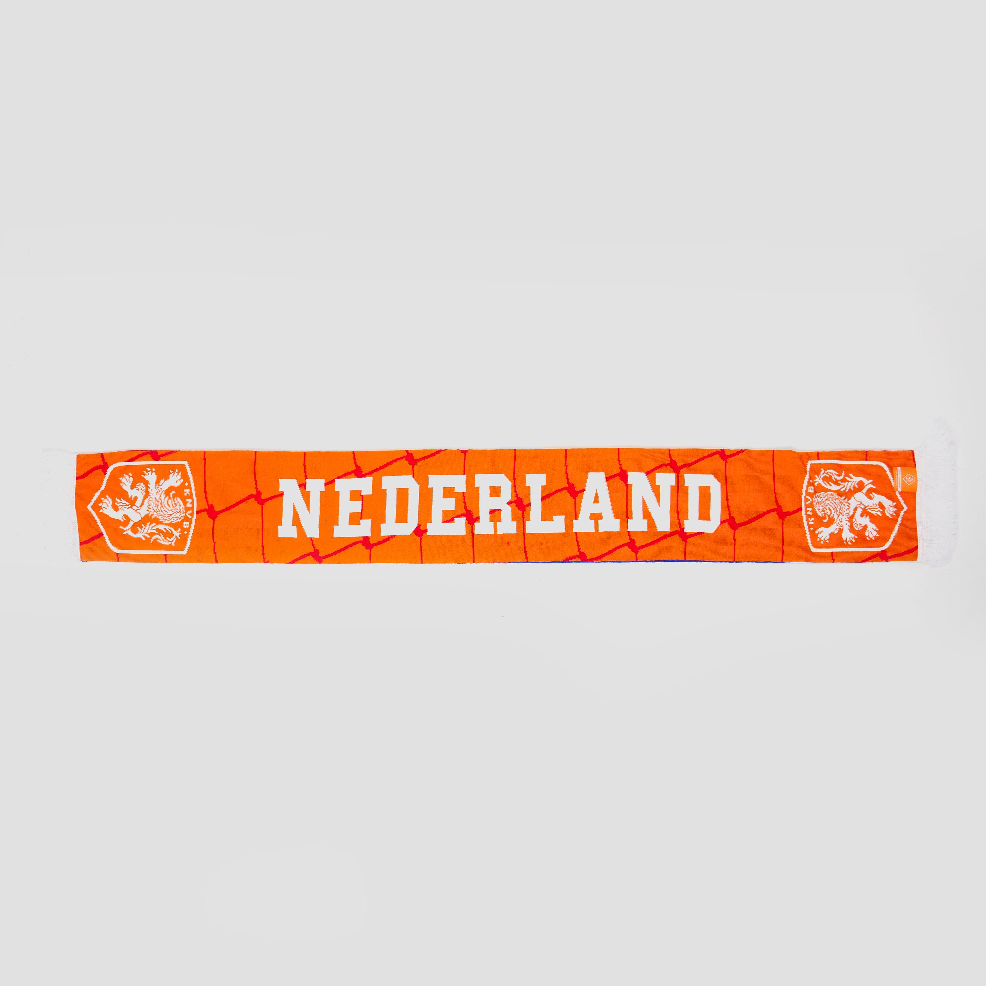 Laat zien dat je een trouwe fan van het nederlands elftal bent met deze oranje knvb nederland sjaal. de sjaal ...
