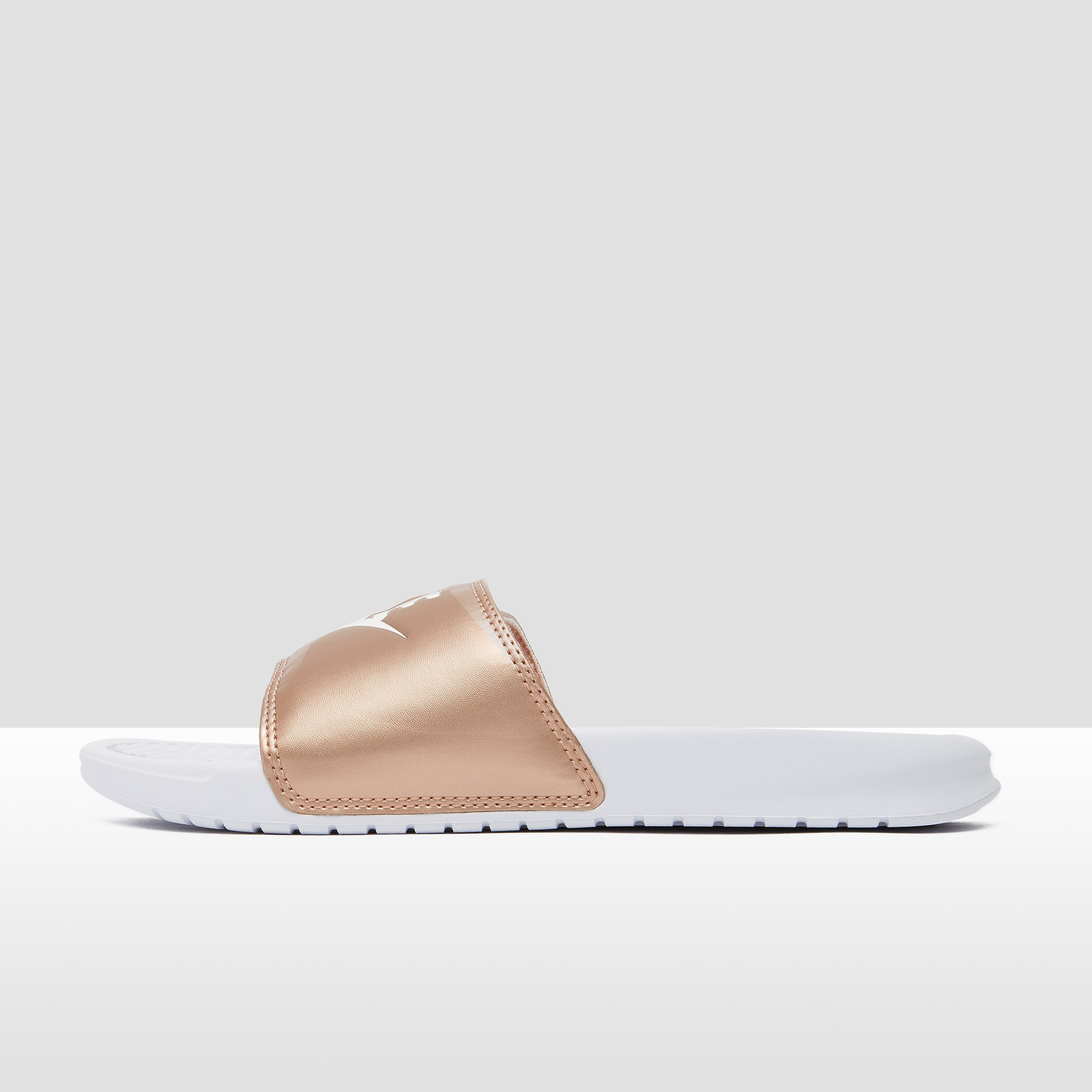 NIKE Benassi just do it slippers wit/goud dames Dames