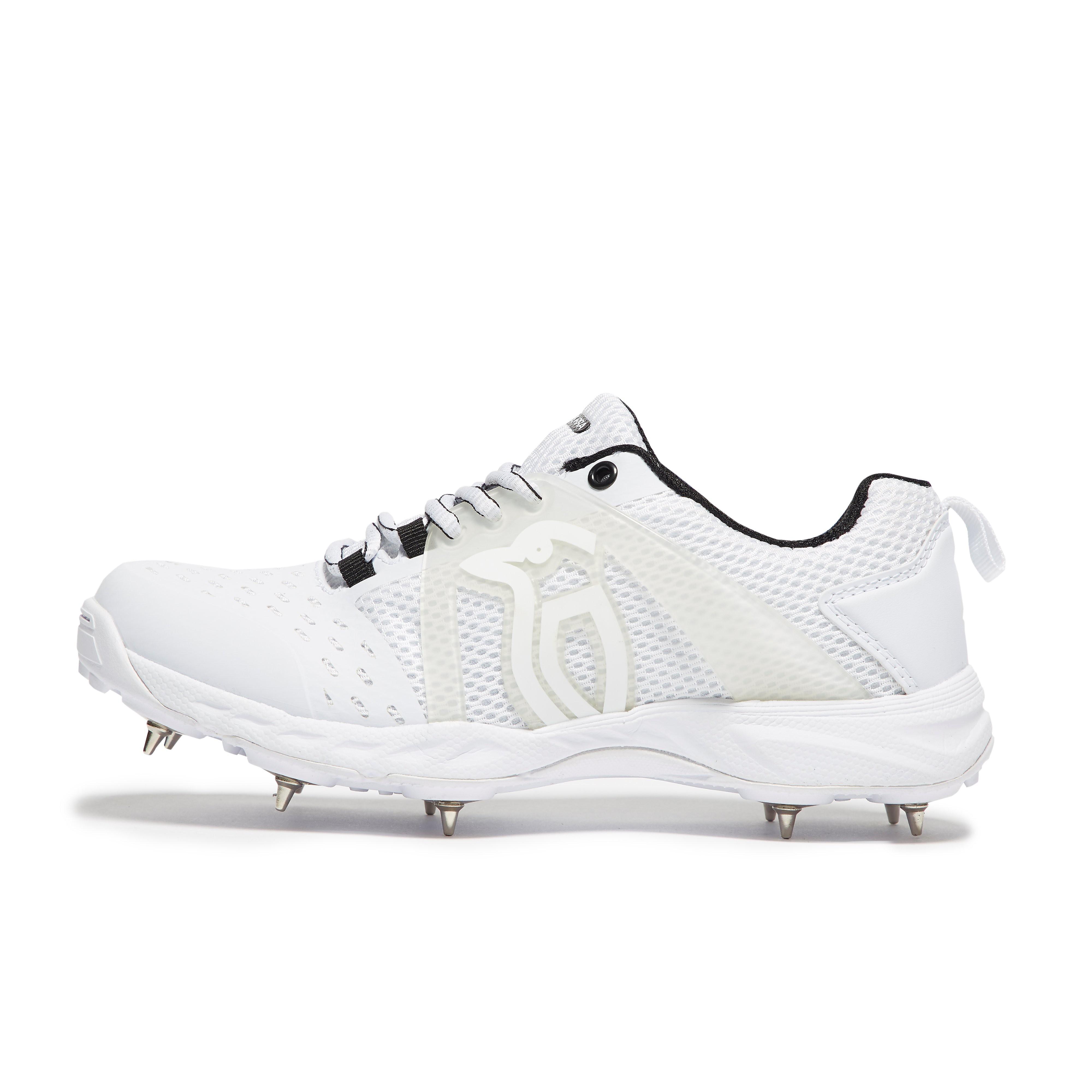 Kookaburra KCS 2000 Spike Junior Cricket Shoes