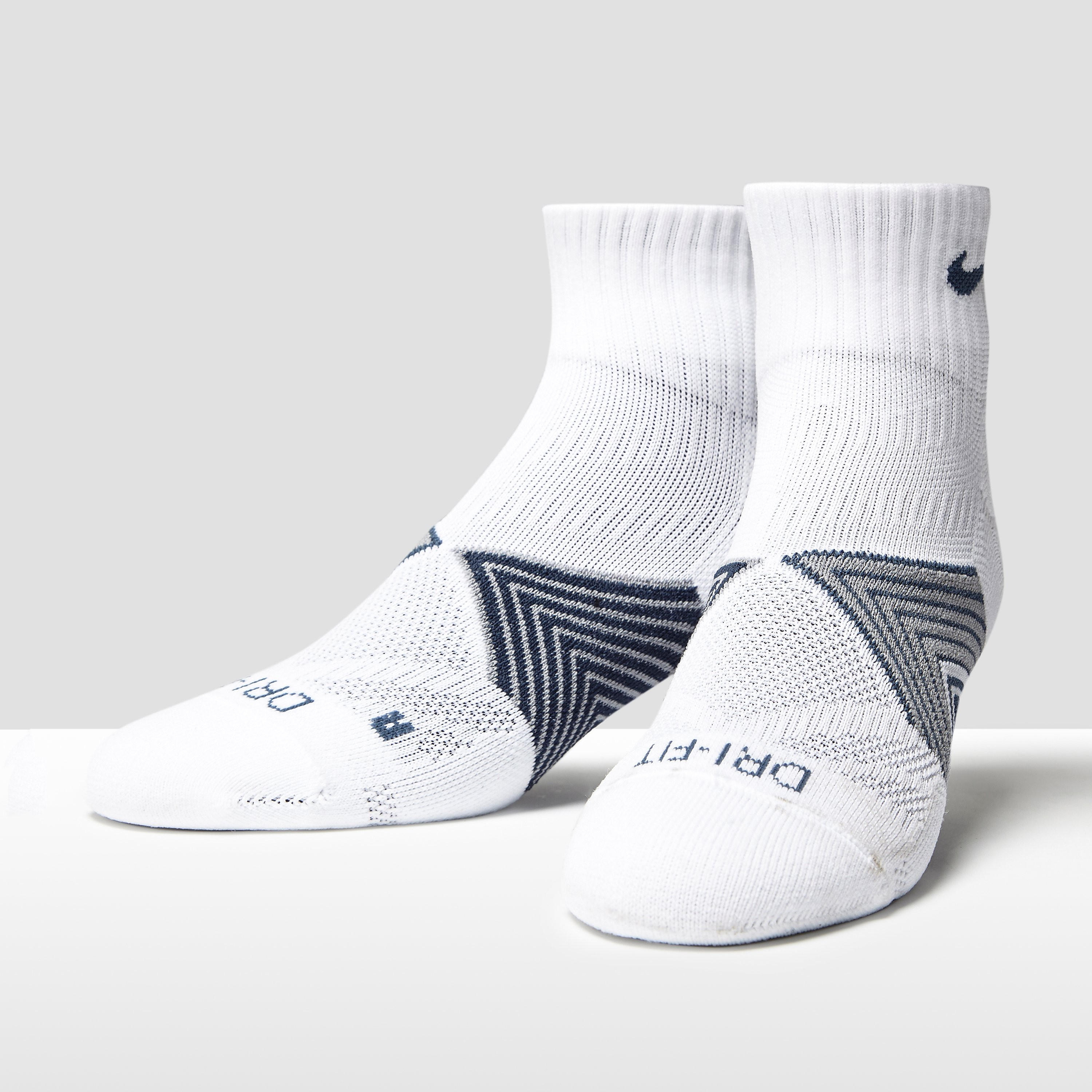 Nike Cushion Dynamic Arch Quarter Running Socks