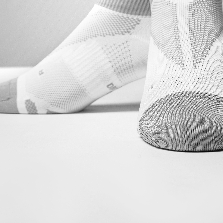 Nike Elite Lightweight No-Show Tab Running Socks
