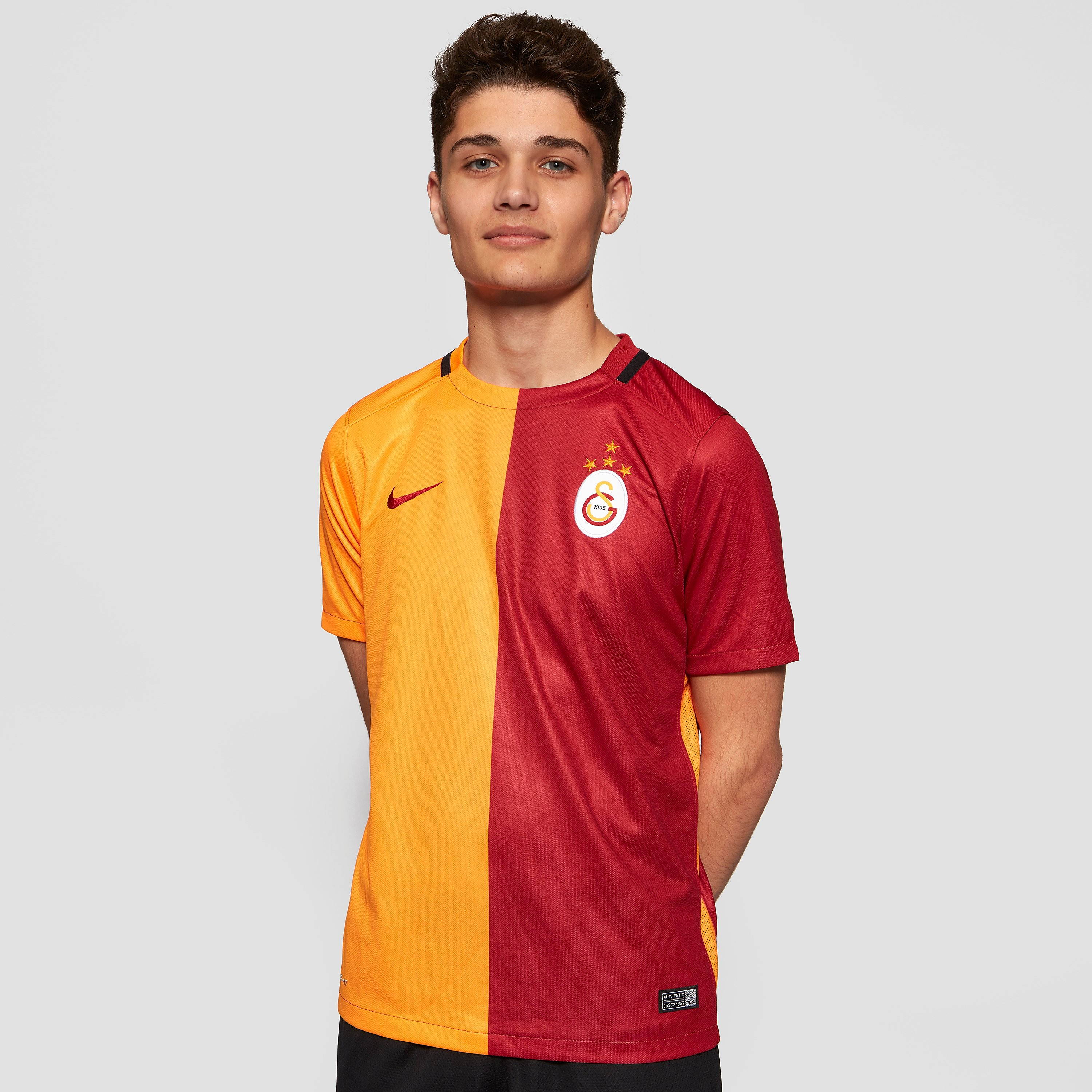 Nike Galatasaray SK 2015-16 Home Stadium Football Shorts