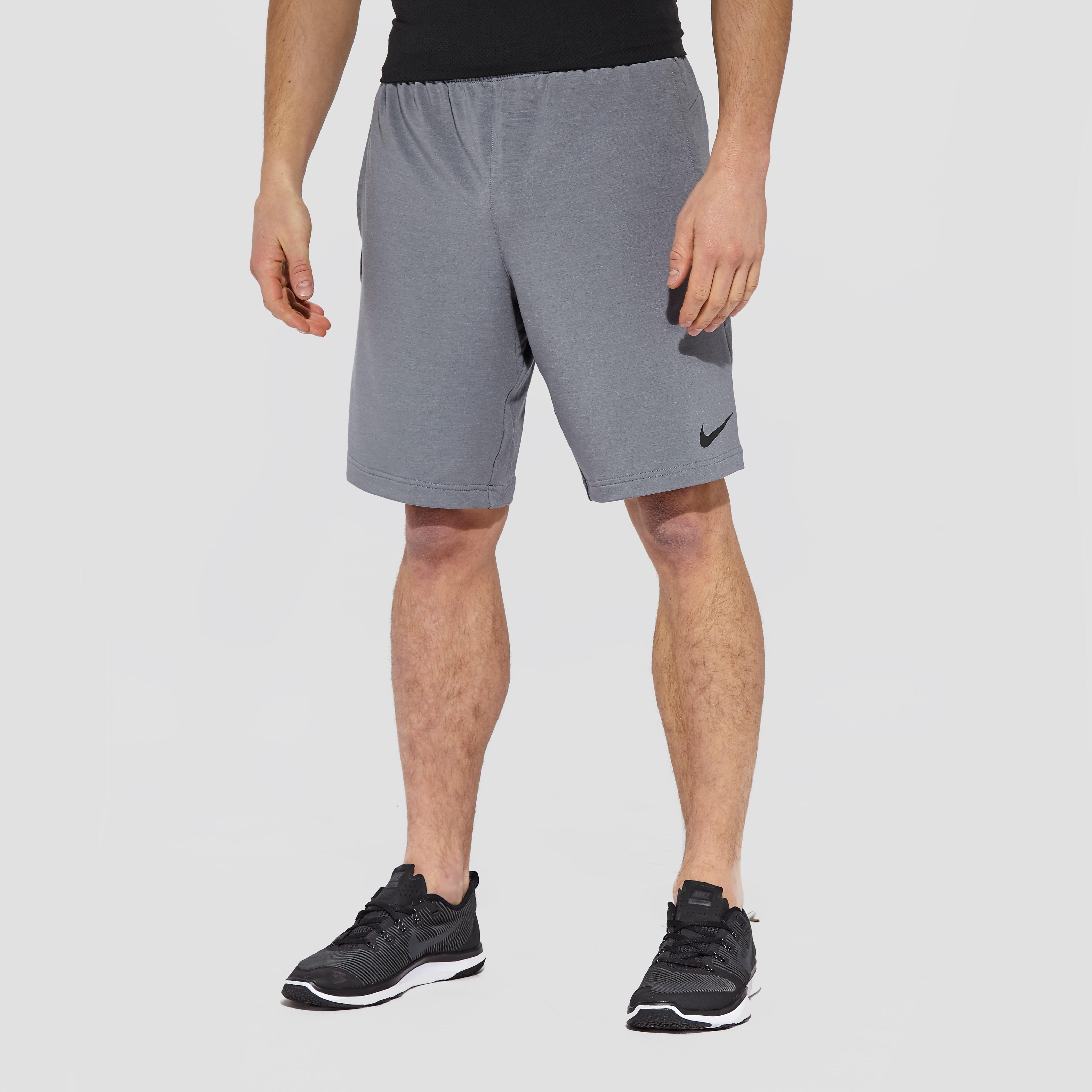 Nike \DriFleece 8\