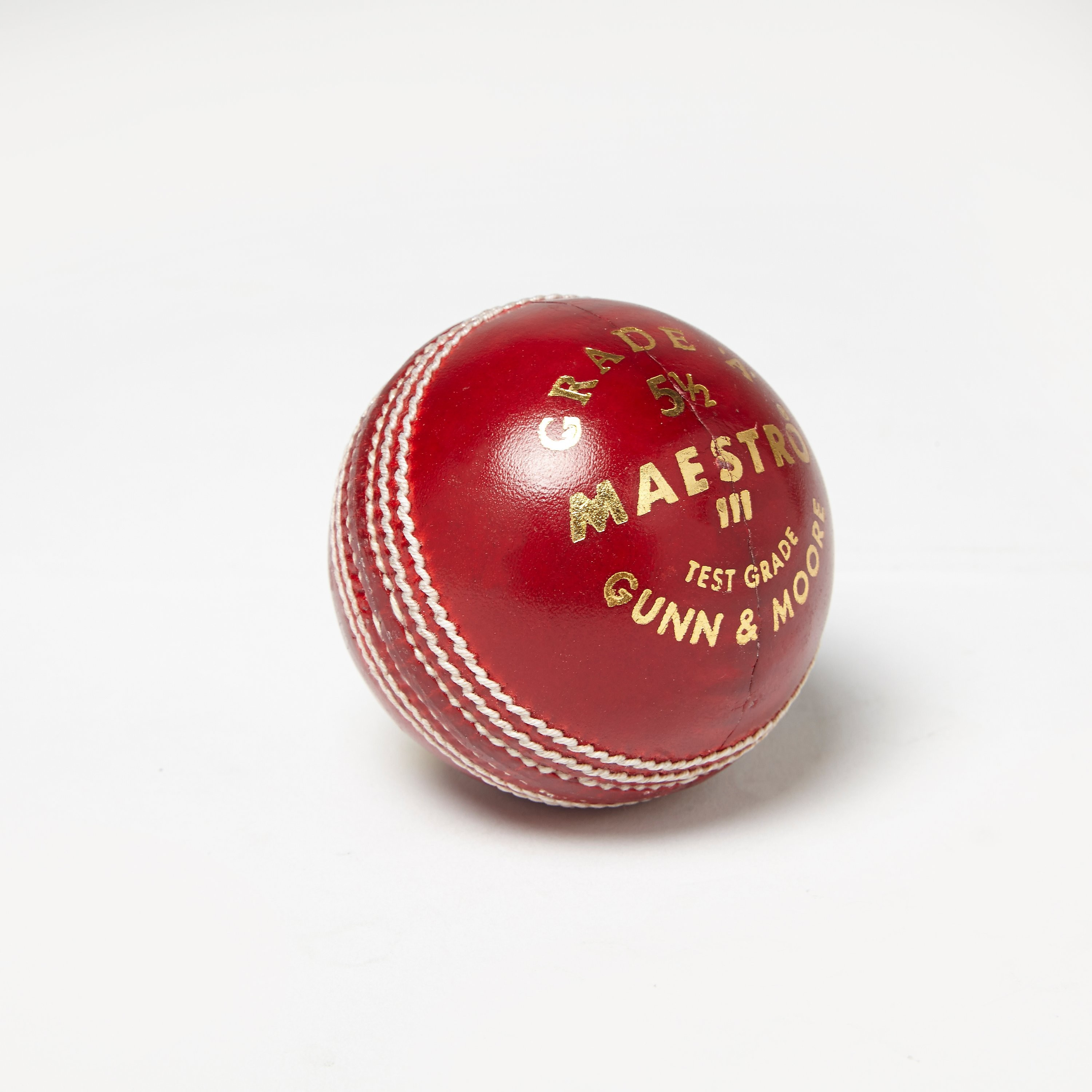 Gunn & Moore Maestro Cricket Ball