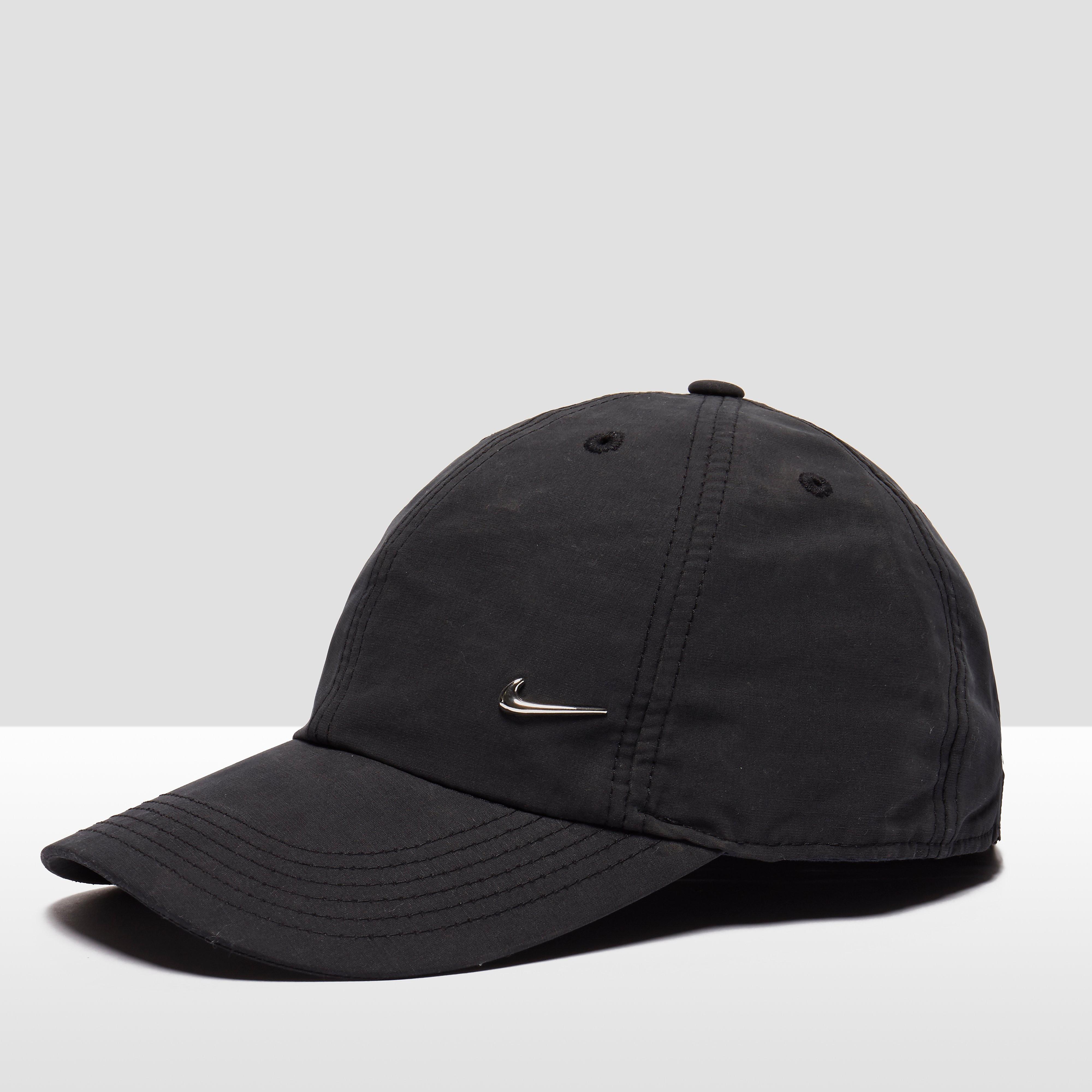Nike Heritage 86 Metal Swoosh Adjustable Hat
