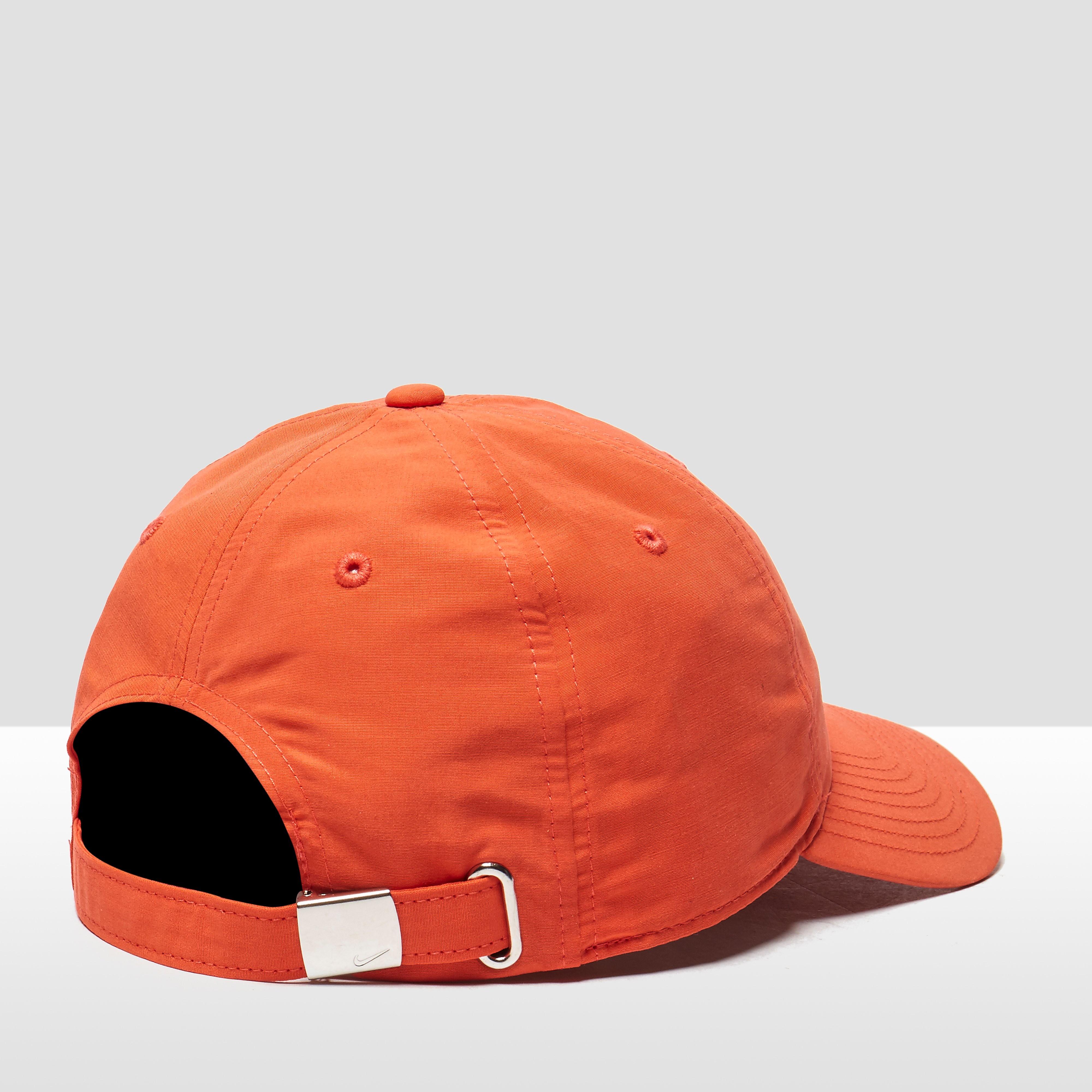 Nike Side Swoosh Men's Cap