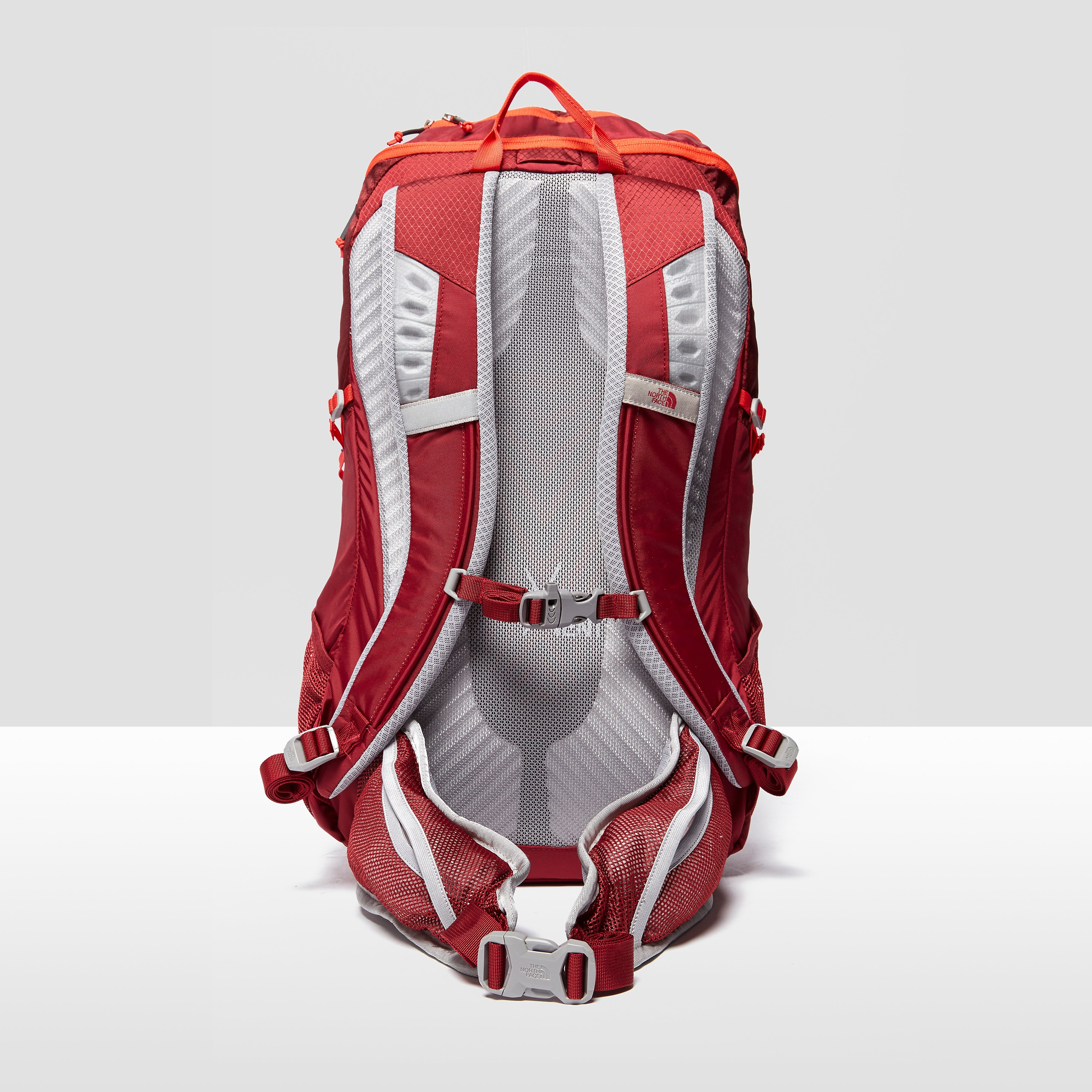 The North Face KUHTAI 34 Backpack