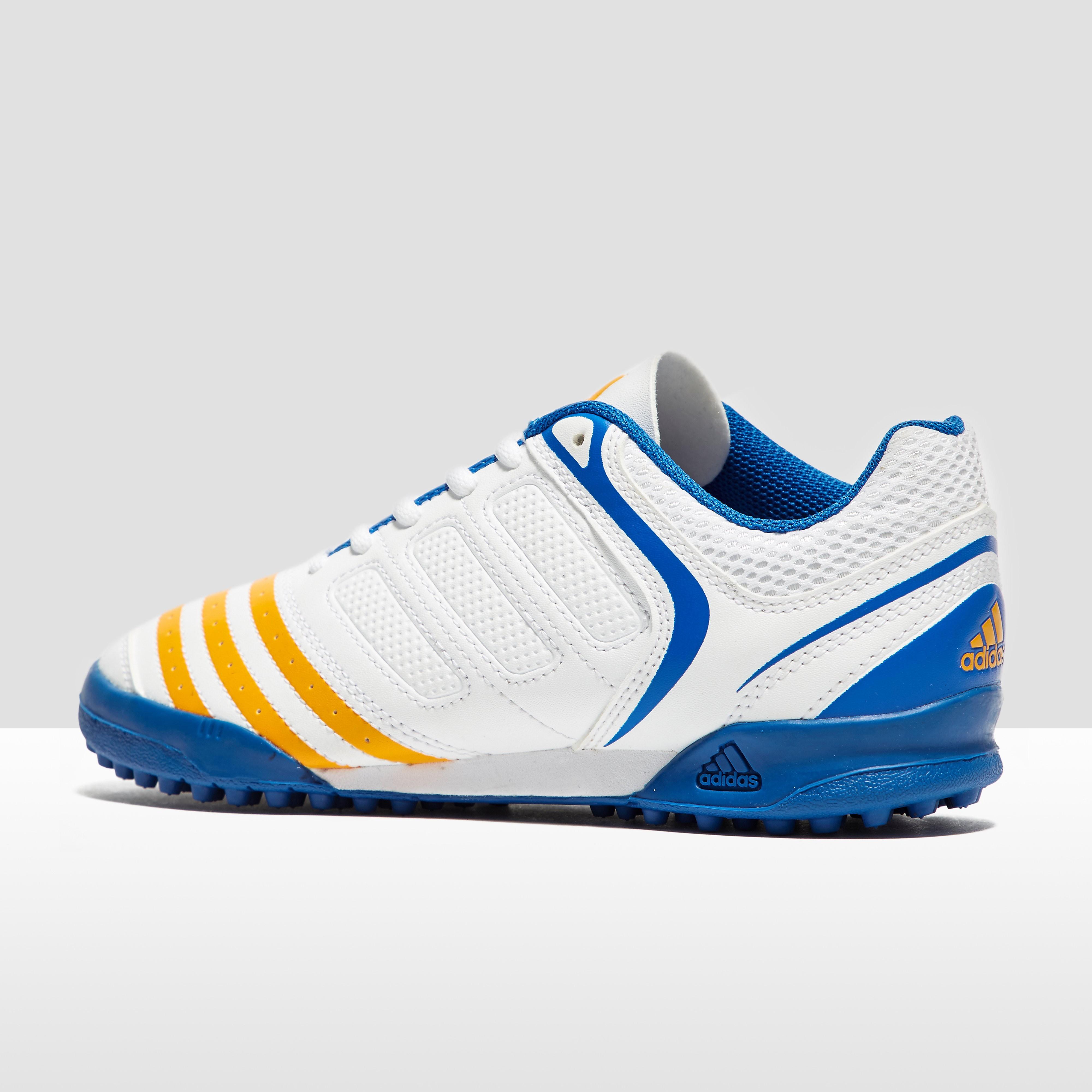 adidas Howzat V Junior Cricket Shoes