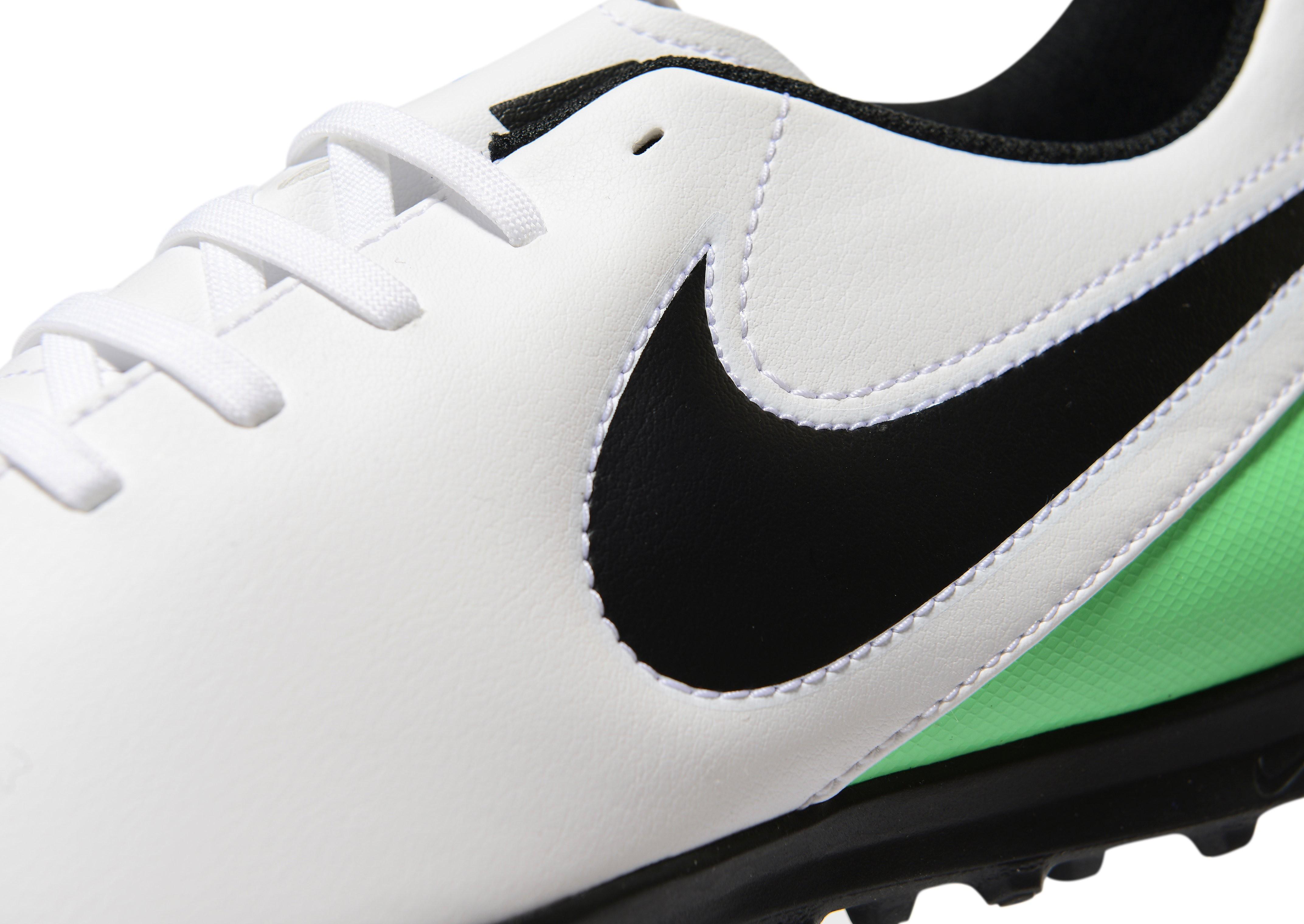Nike Motion Blur Tiempo Rio Men's TF Football Boots