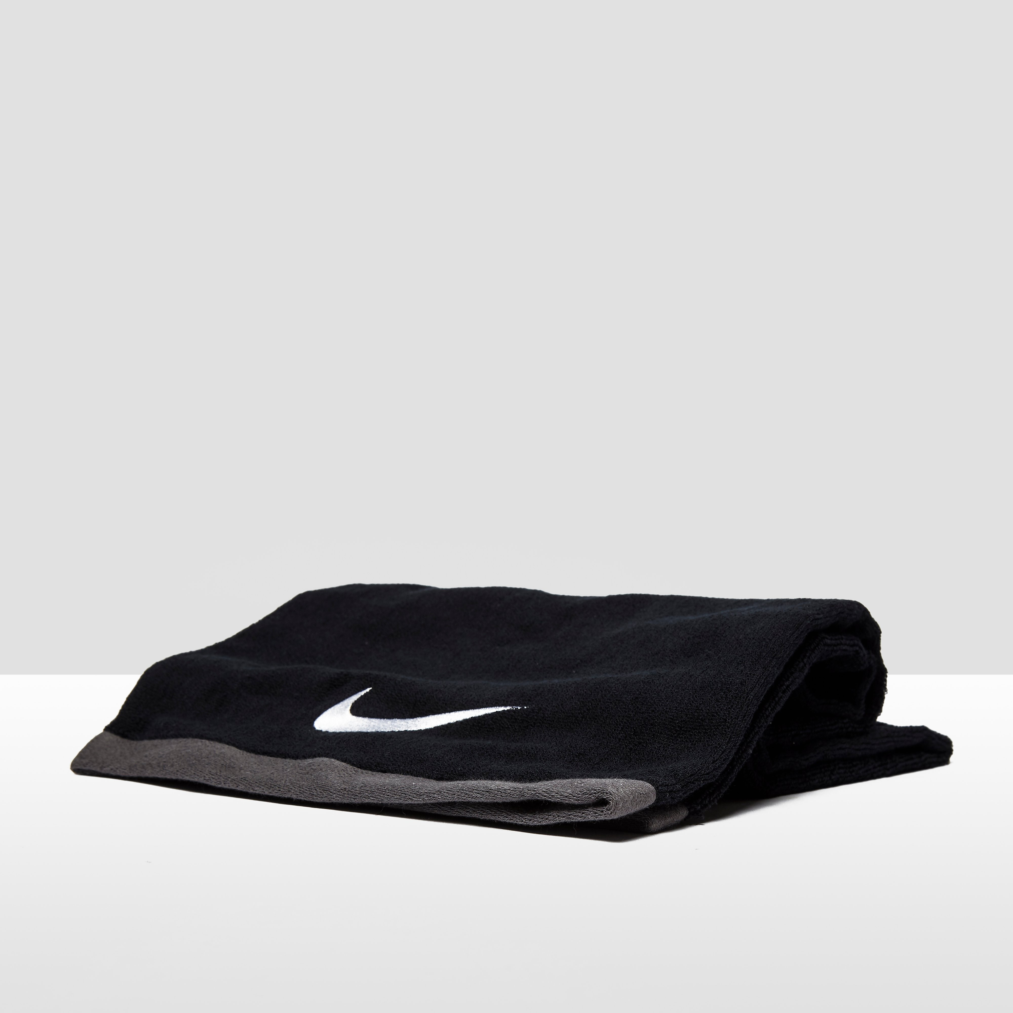 Nike Fundamental Towel - large