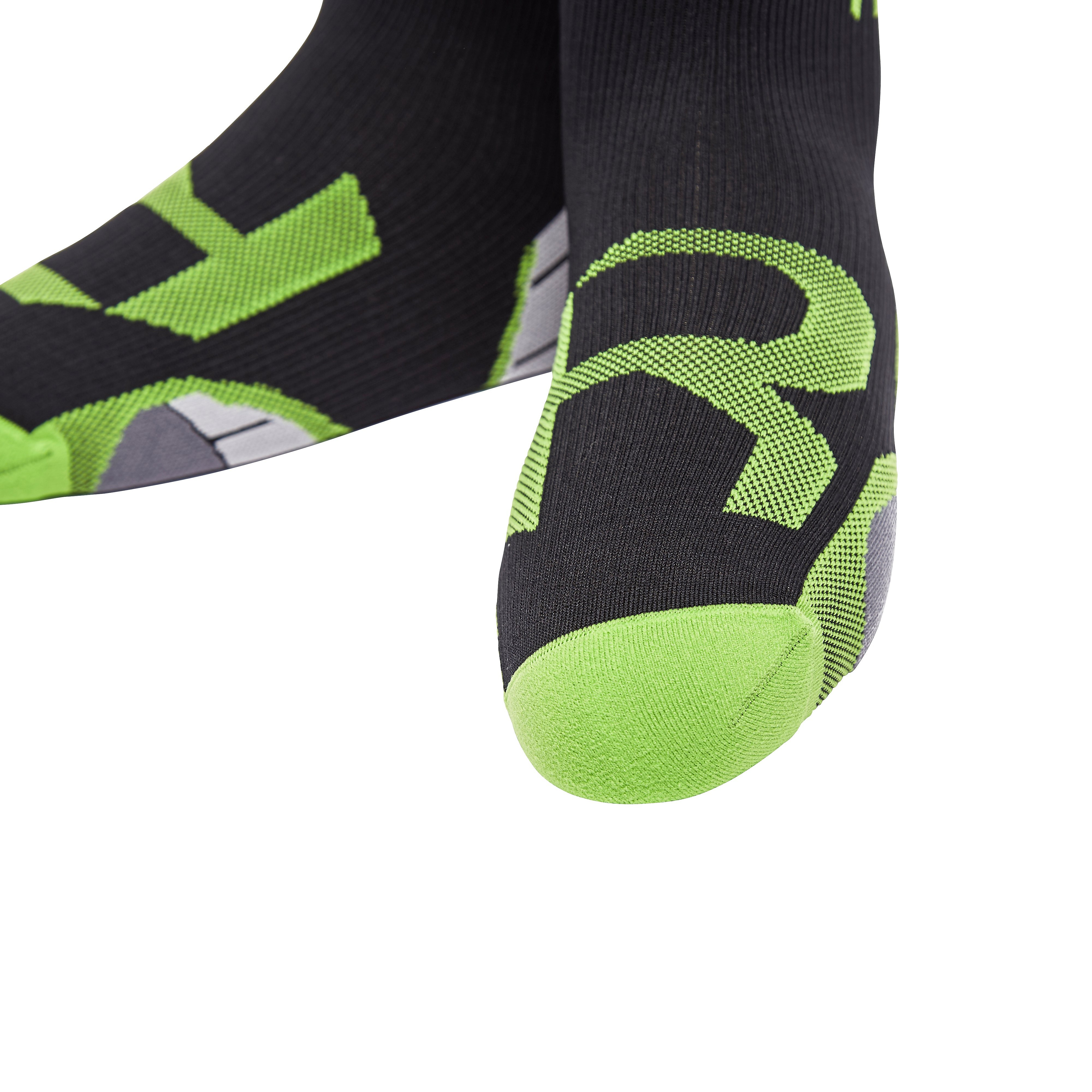 2XU 1 Pair Men's Compression Socks for Recovery