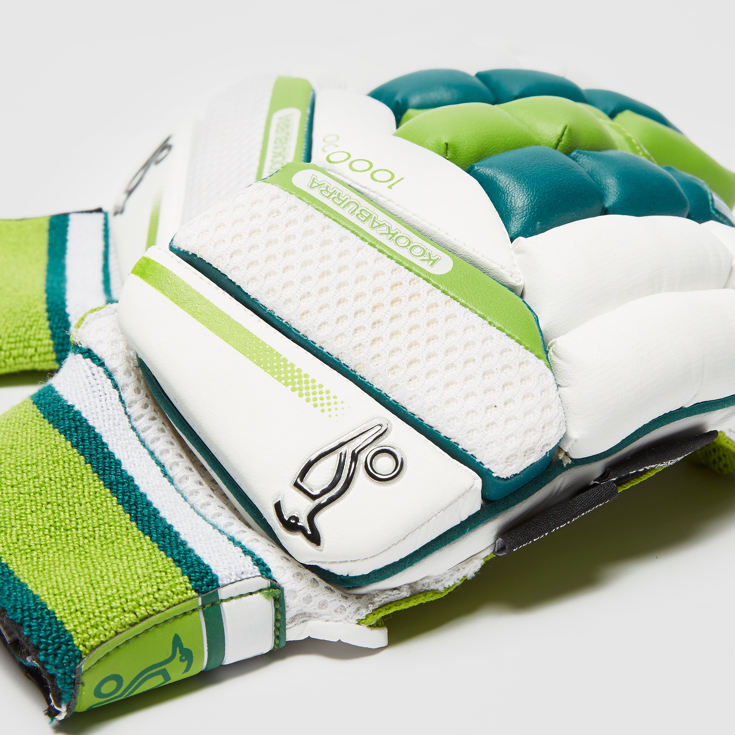 Kookaburra Kahuna 1000 Junior Cricket Gloves