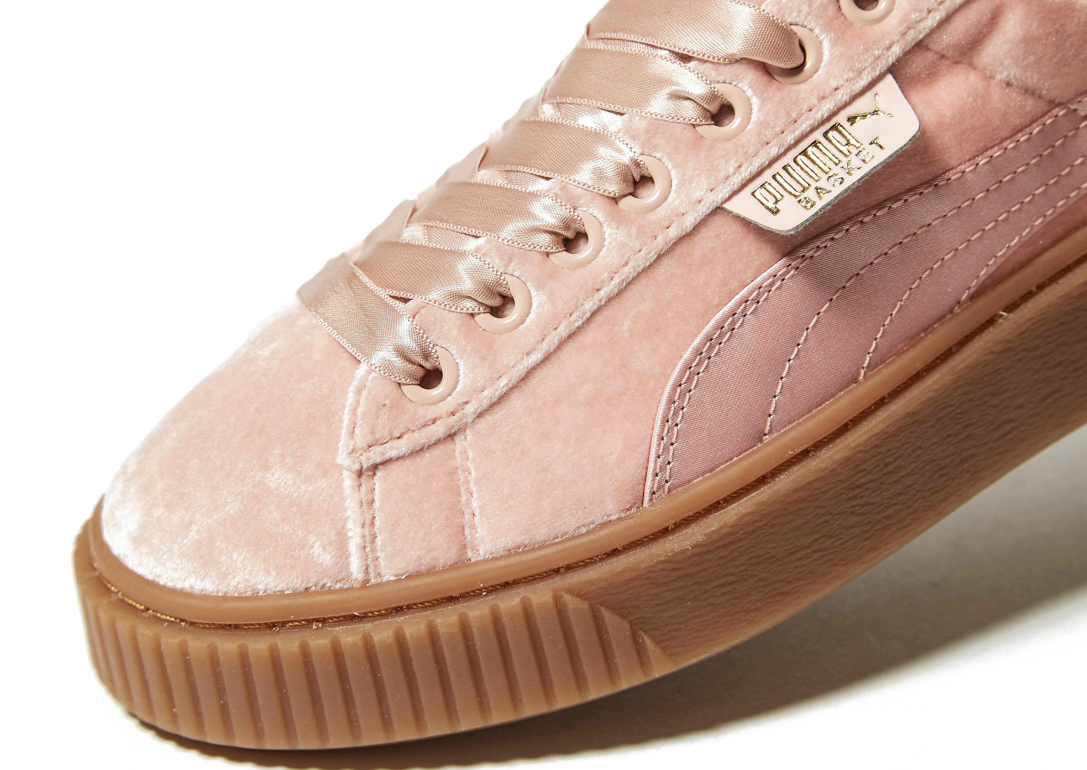 PUMA Basket Platform Velvet Women's