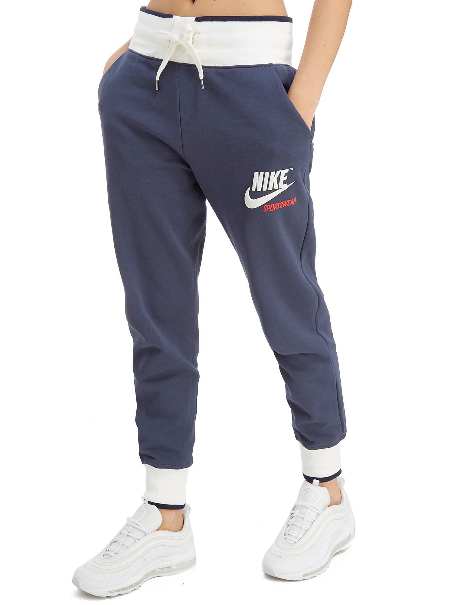 Nike pantalón Archive Fleece