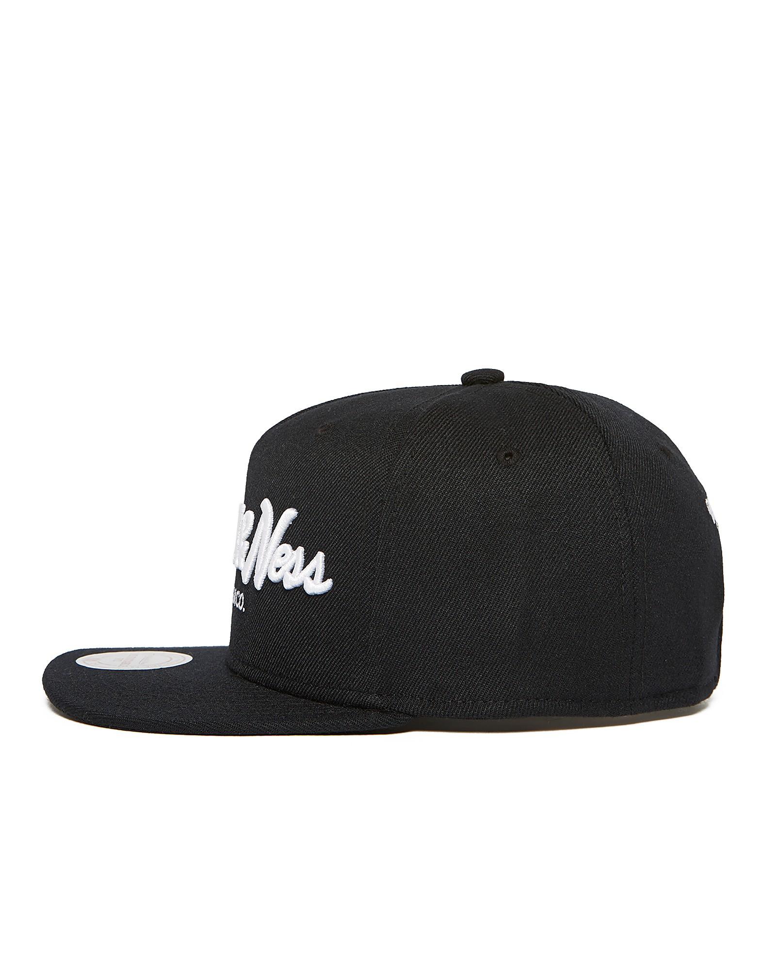 Mitchell & Ness Pin Script Snapback Cap