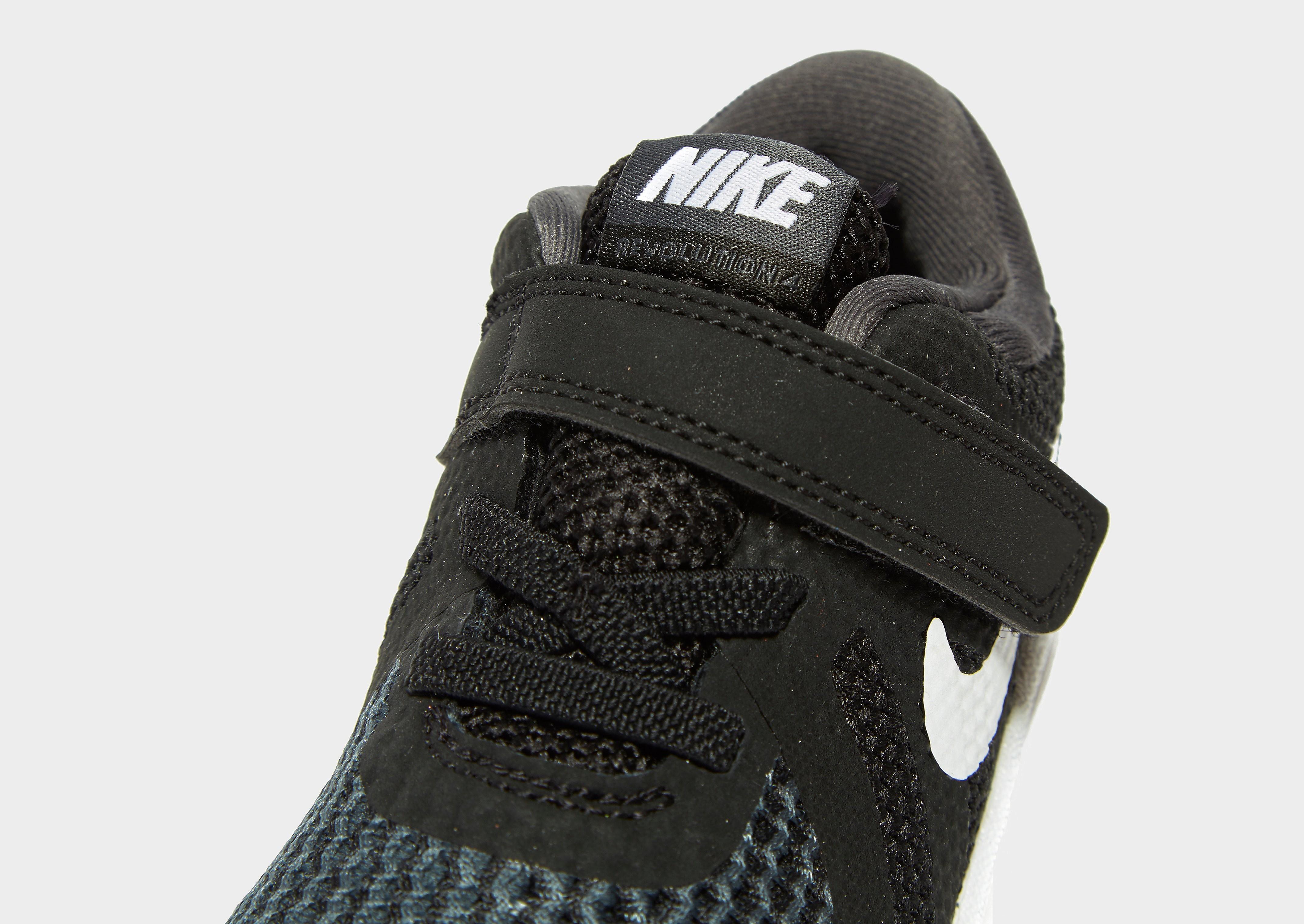 Nike Revolution 4 para bebé