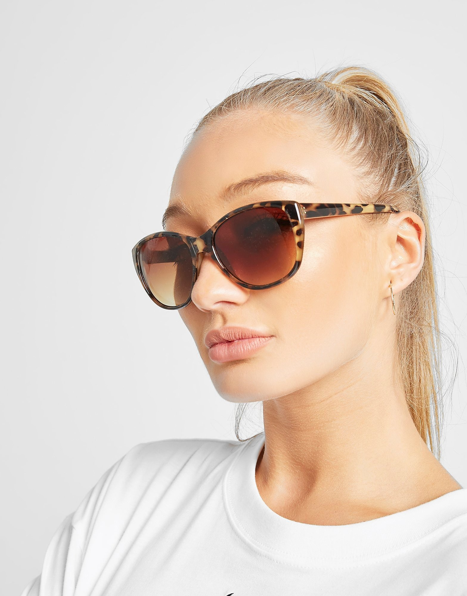 Brookhaven Louise Butterfly Shaped Sunglasses