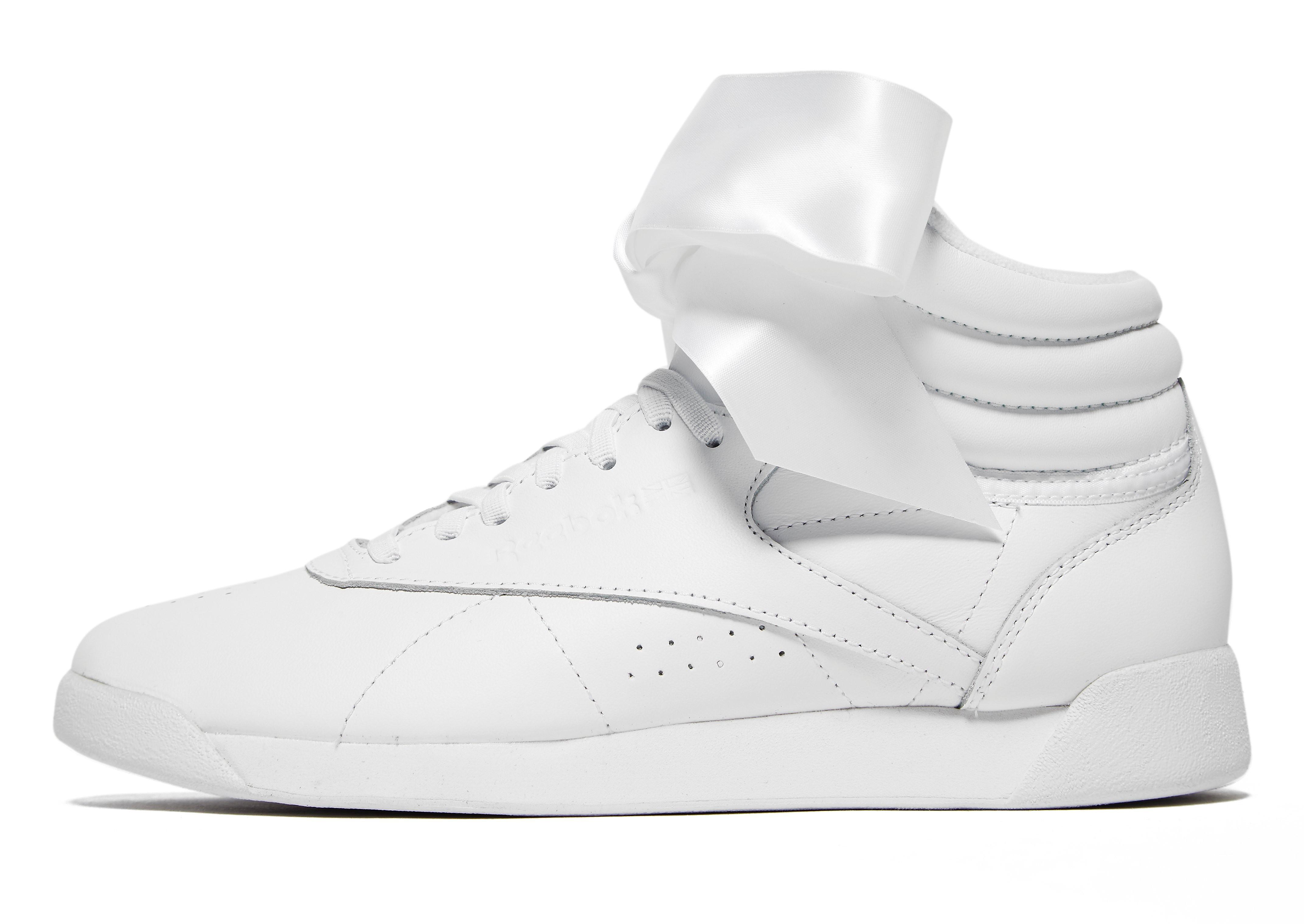 Reebok Freestyle damessneaker grijs en wit