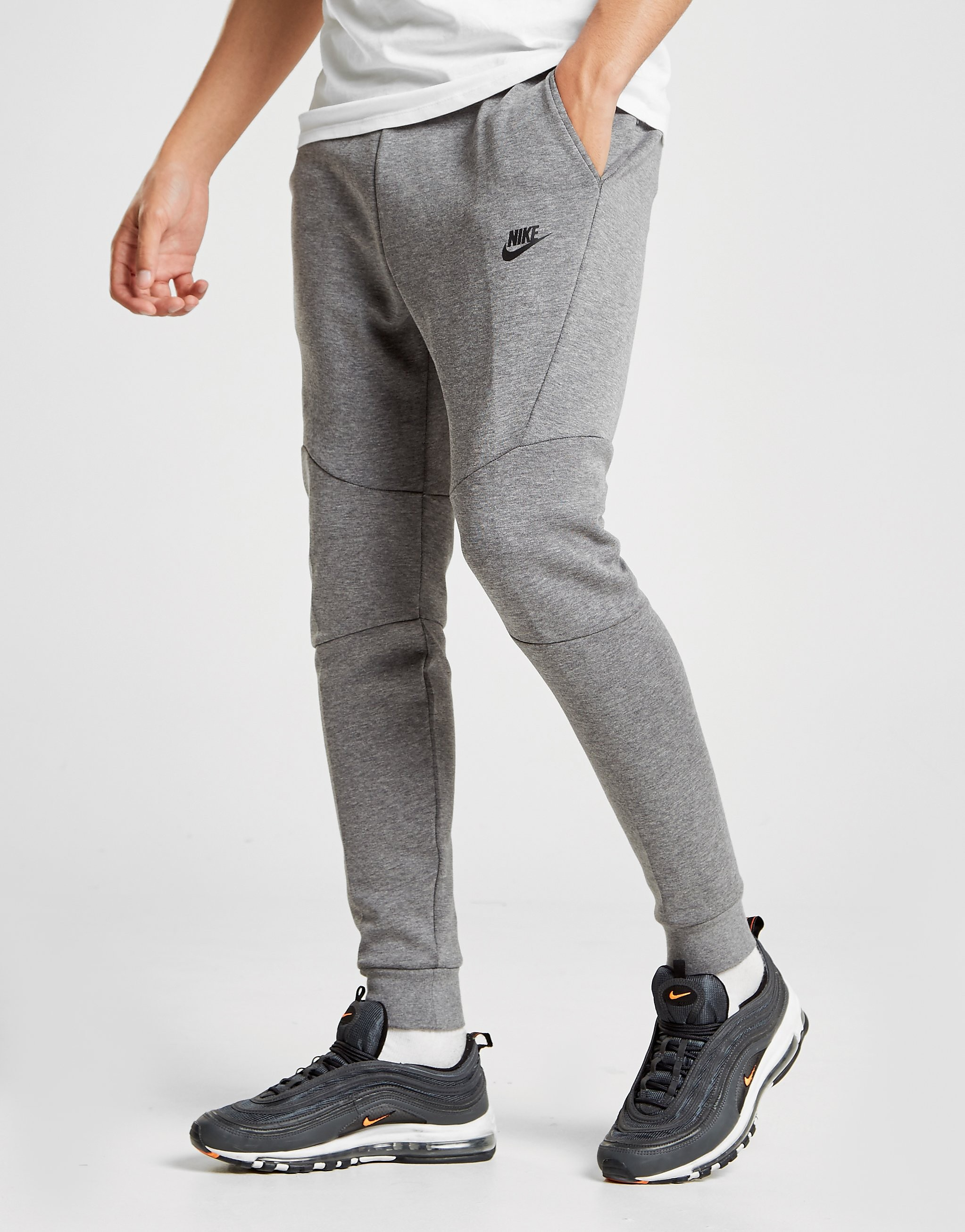 Nike Tech Fleece byxor