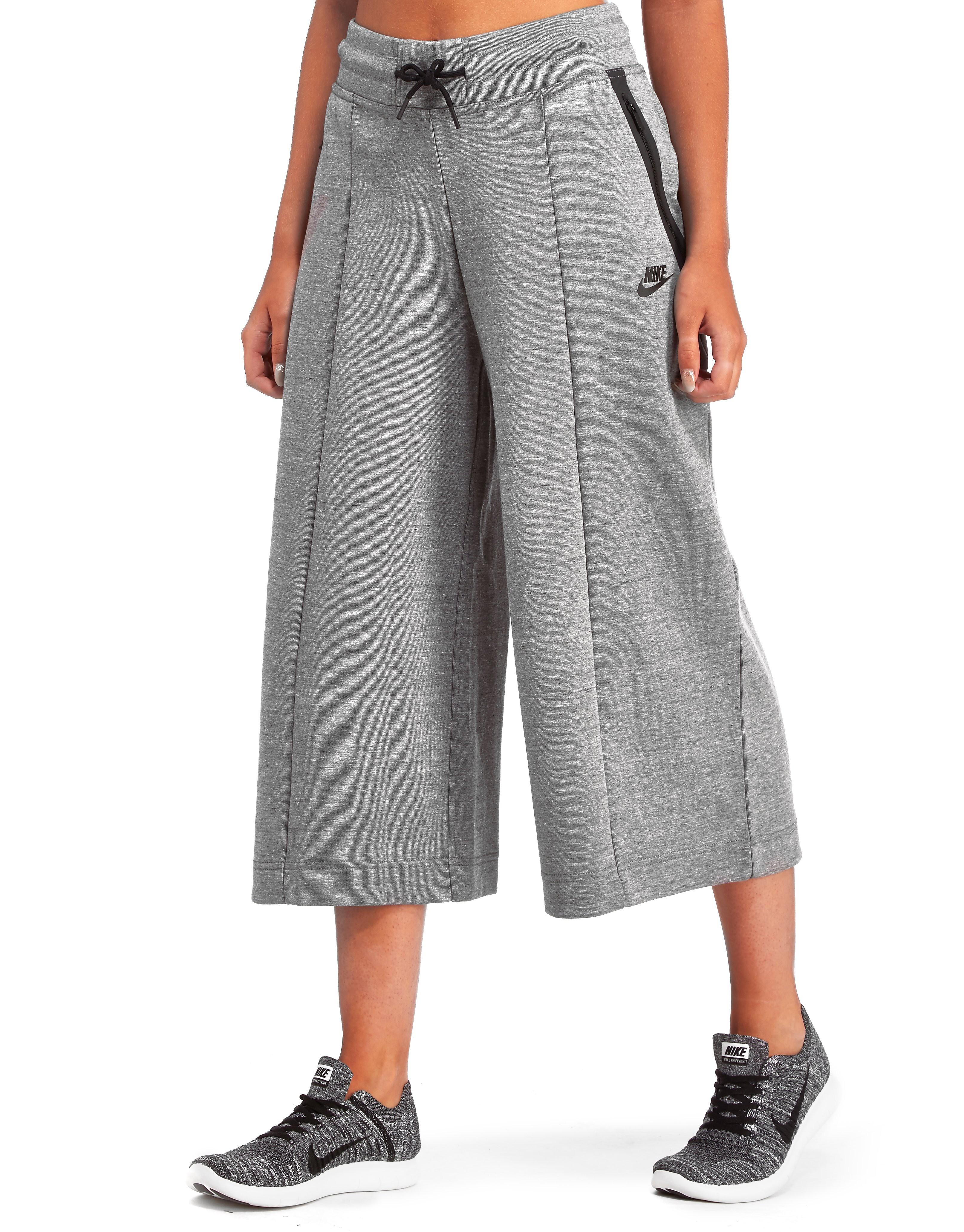 Nike X Tech Fleece Capri Pants
