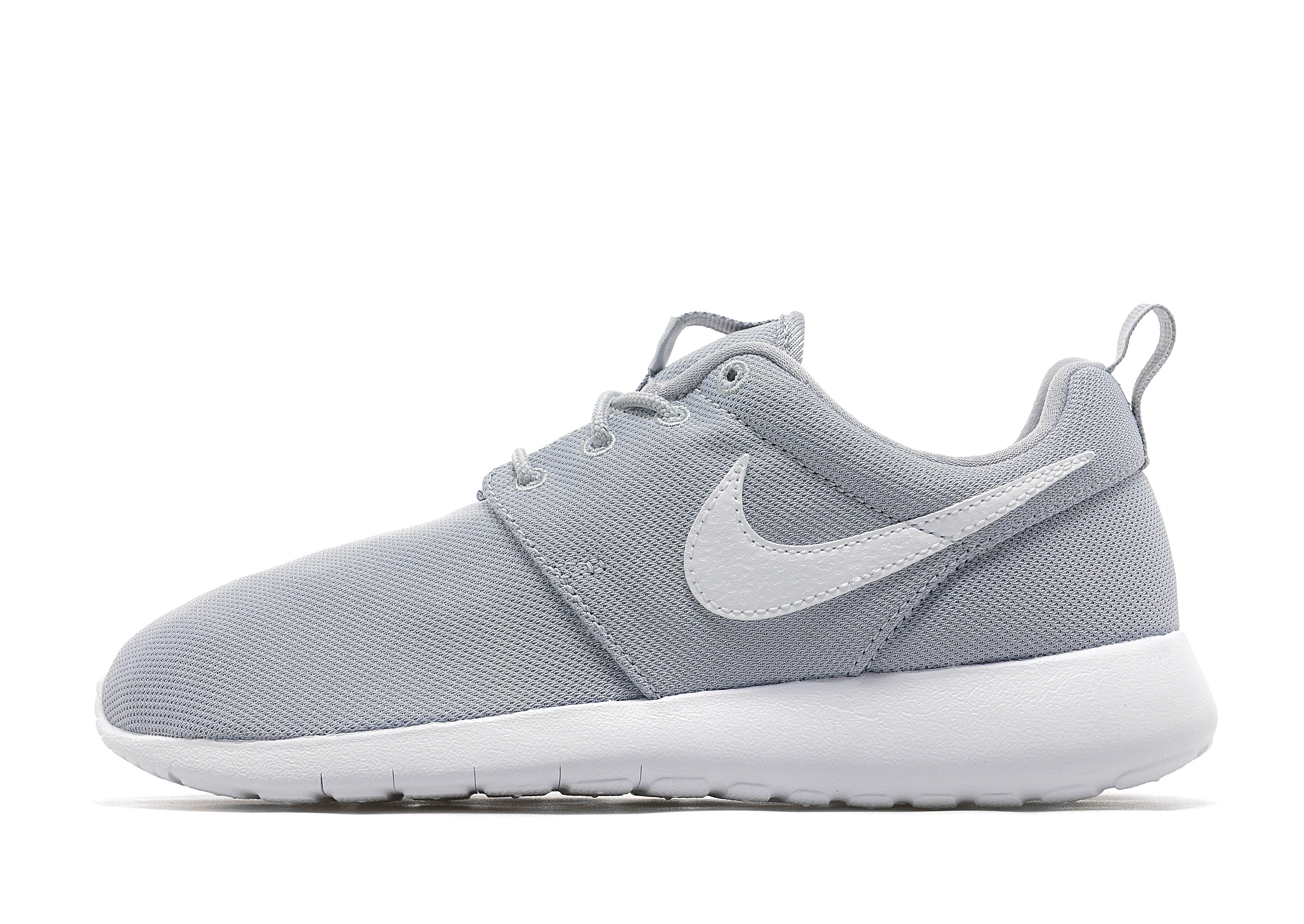 the latest 822ec d5fac Nike Roshe One Junior – Grey White – Kids